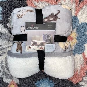 Sherpa throw blanket with cats